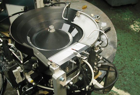 水晶片・水晶振動子用パーツフィーダー