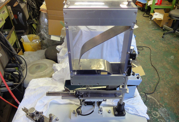 展示会出展用に製造したM3×10ネジ用リターンフィーダーです
